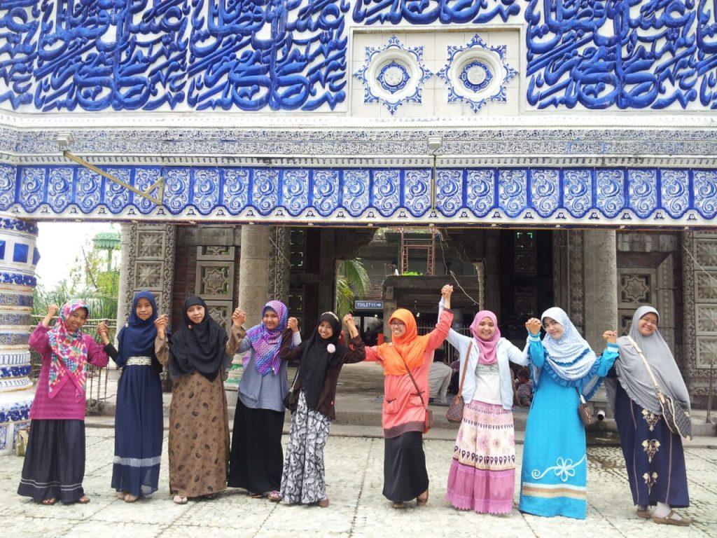 Liburan Part 2: Masjid Jin/ Masjid Tiban/ Masjid Seribu Pintu
