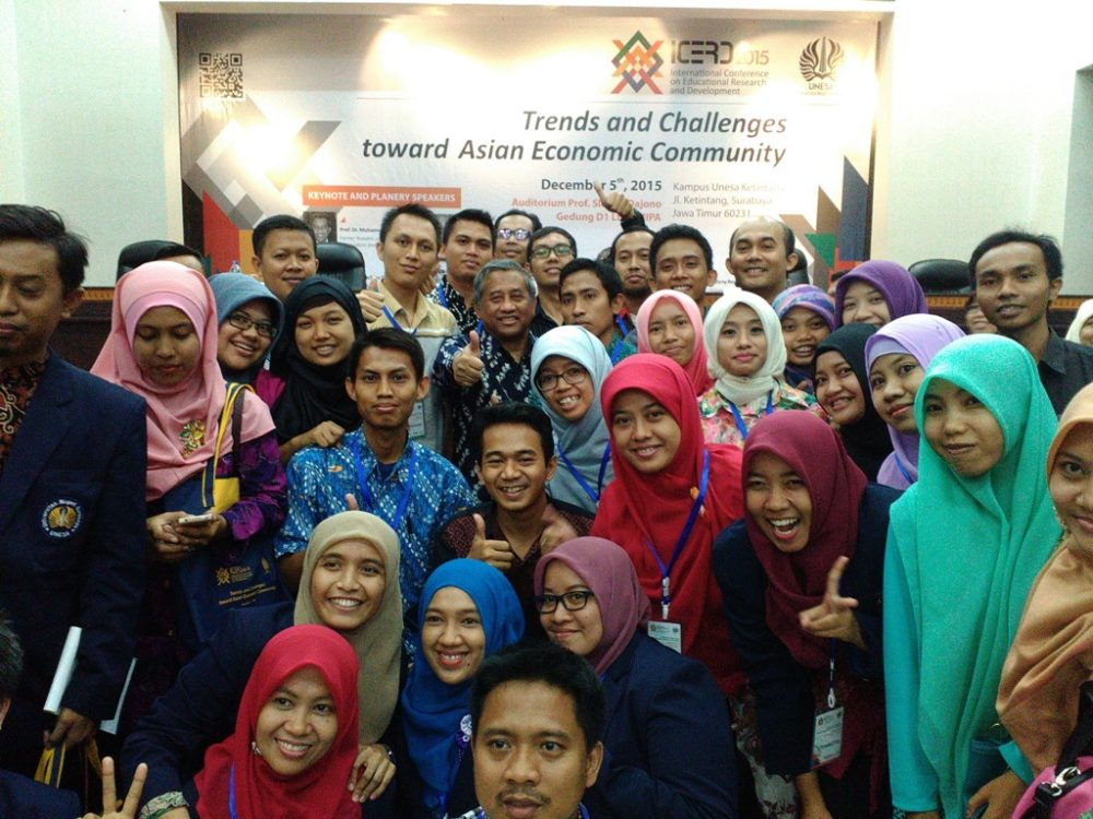Trends and Challenges toward Asian Economic Community UNESA