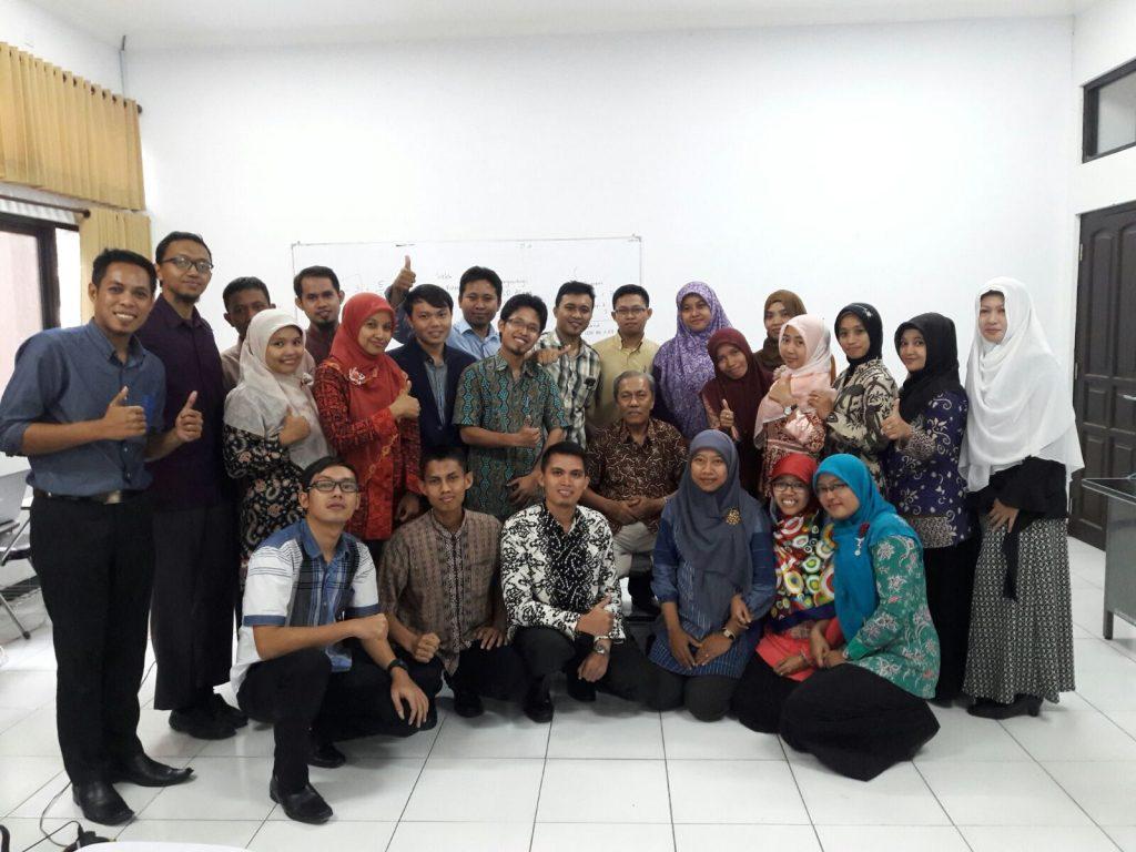 Bersama Bapak Dr. Bambang Sugiarto, M.Pd