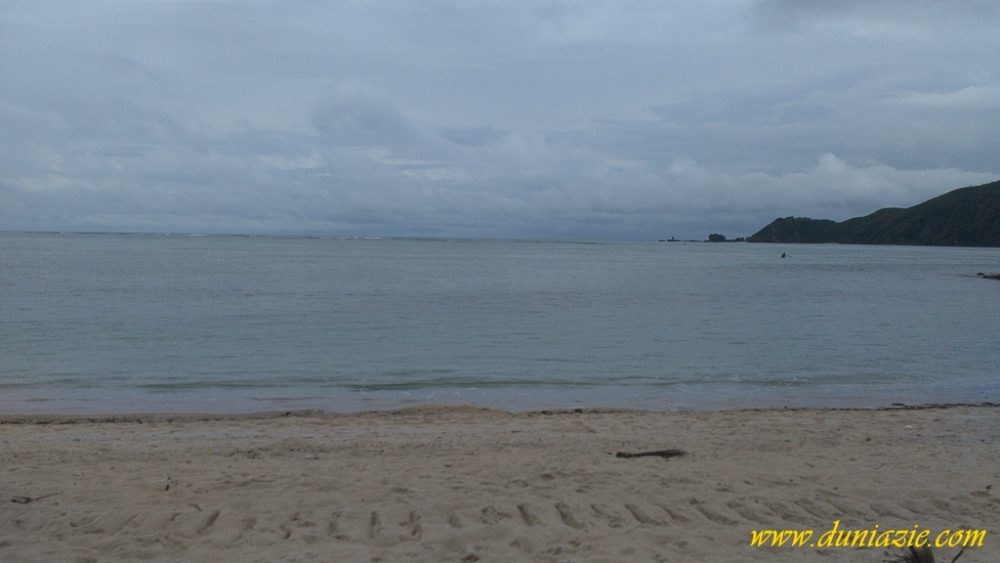 Menikmati Pesona Keindahan Pantai Kuta Lombok