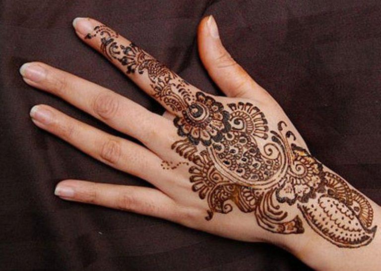 Pengalaman saat Memakai Henna