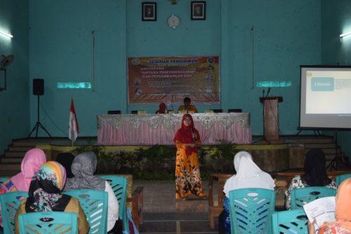 """Seminar Pendidikan dan Workshop Karya Tulis Ilmiah """"Antara Profesionalisme dan Pengembangan Diri"""" (#2)"""