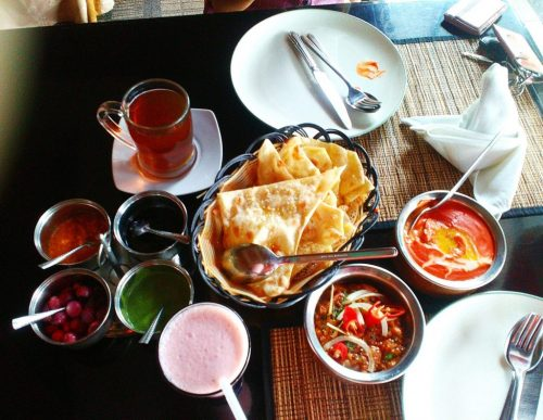 Kali ini saya coba pergi kuliner dengan menu khas India.