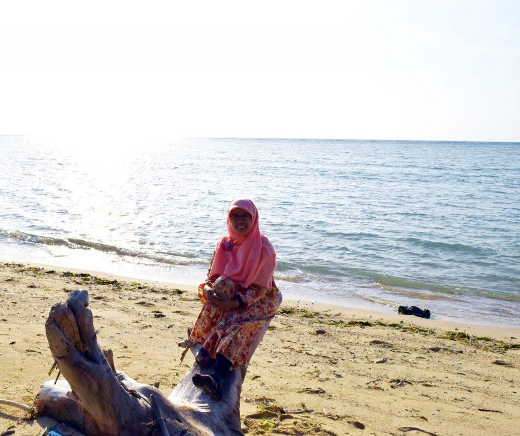 Panorama Pantai Kahuripan Gili Genting