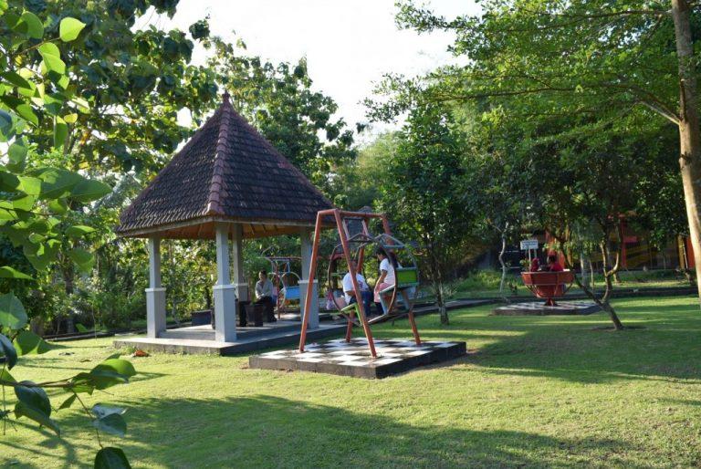 Taman Sentul Blitar: Alternatif Wisata Keluarga Nan Ekonomis