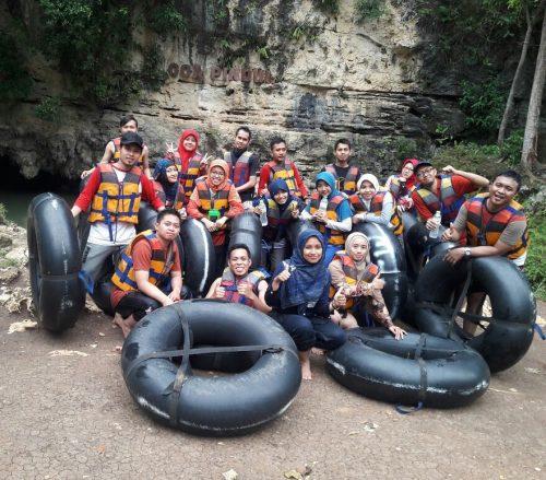 Keseruan River Tubing di Sungai Oyo dan Cave Tubing di Goa Pindul Yogyakarta