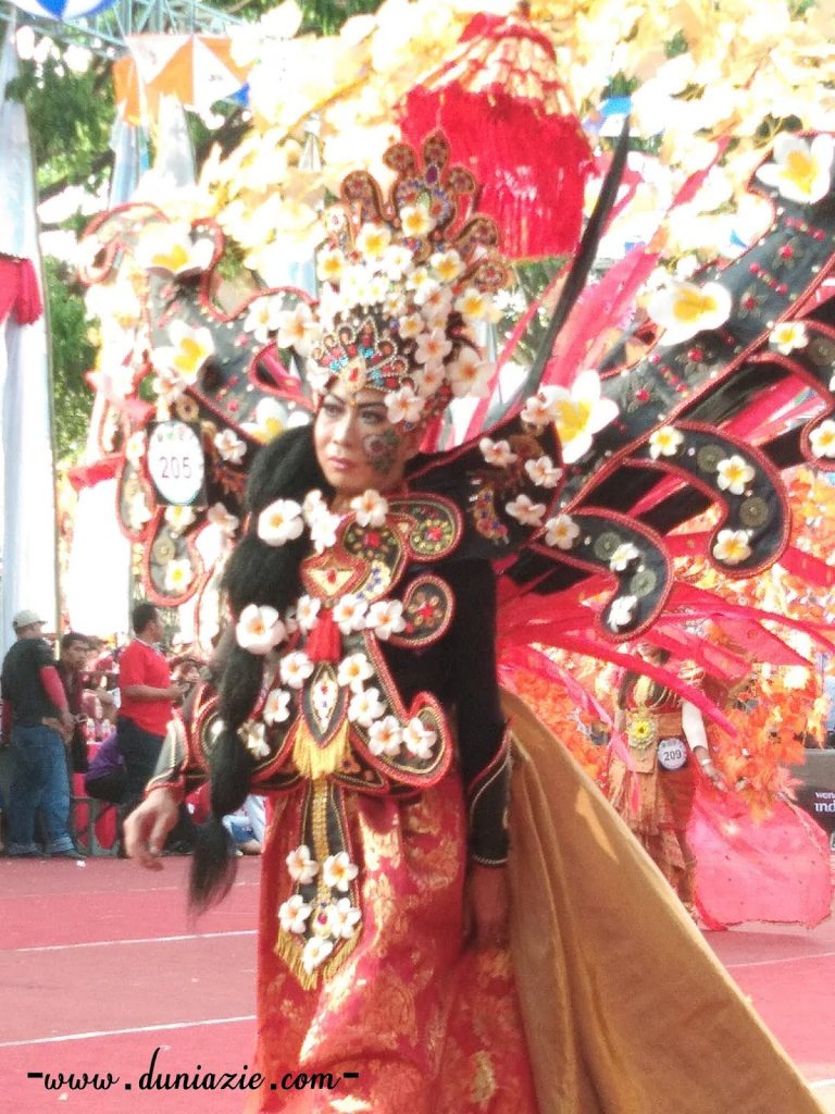 Malang Flower Carnival: Dimeriahkan oleh Peserta dari Dalam dan Luar Negeri
